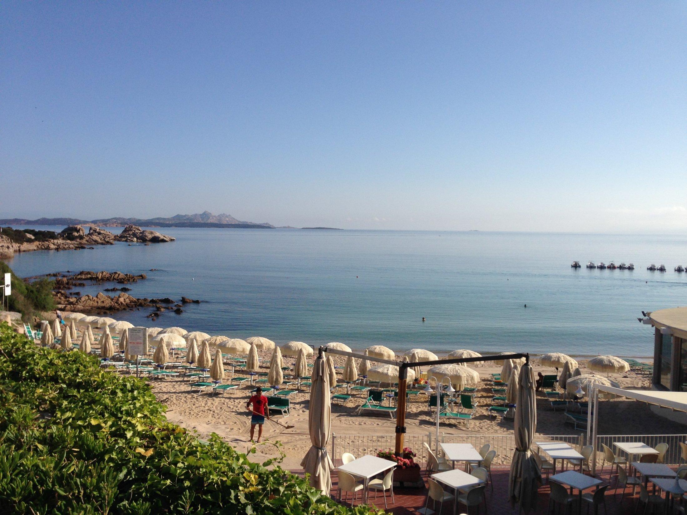 Baja Sardinia , Spiaggia.