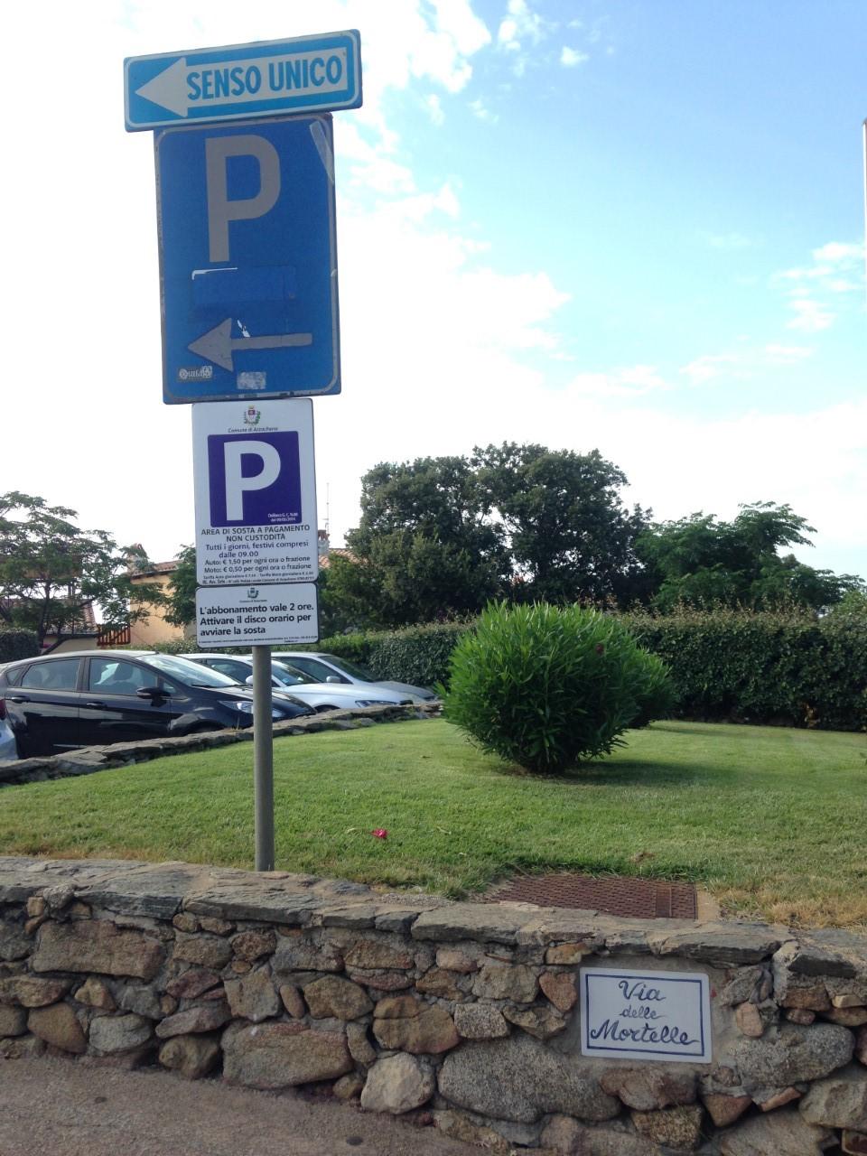 Parking Via Della Mortella - Baja Sardinia