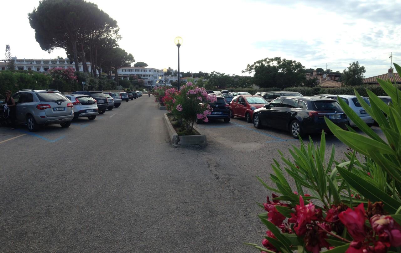 Parcheggio Via Della Mortella