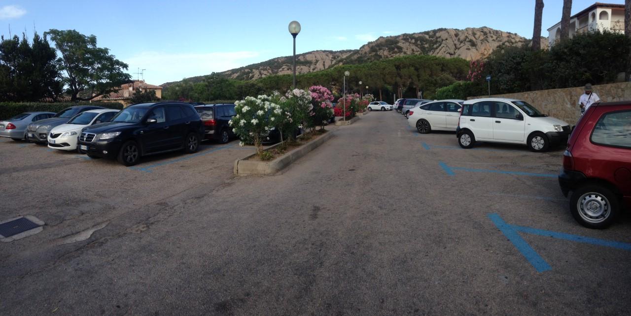 Parcheggio Via Della Mortella 2